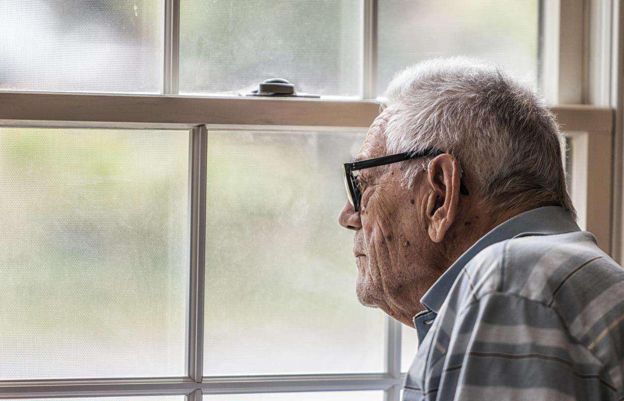 人间_记性越差,痴呆越近!4招教你预防老年痴呆,50岁以上的人必看!-第2张图片-游戏摸鱼怪