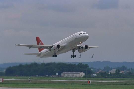 拿全人類開玩笑?連續兩次讓新冠患者登機,大國下令停飛印度航班-圖2