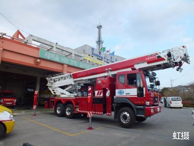 韓國33層高樓起火,瞬間變火炬!雲梯消防車趕來,比導彈車還大-圖6