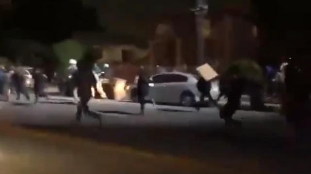 洛杉磯爆發激烈槍戰!黑豹黨首次與警方交手,戰果令白宮瞠目結舌-圖3