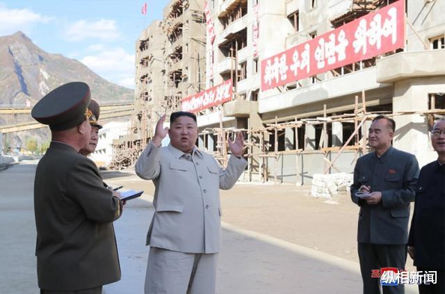 金正恩一月內三赴災區指導重建,朝鮮首現以其命名的軍校-圖3