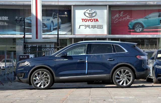 又一豪華SUV售價跳水,3.0T+四驅,霸氣不輸X5,猛降8萬真霸氣-圖2
