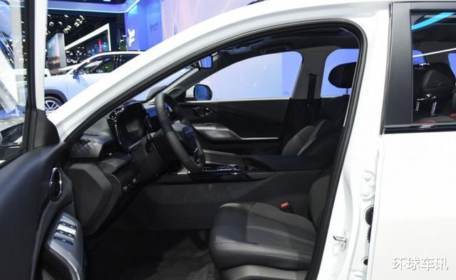 車裡一坐就想買,隻要5.4萬的合資旅行車,年輕人別等瞭-圖4