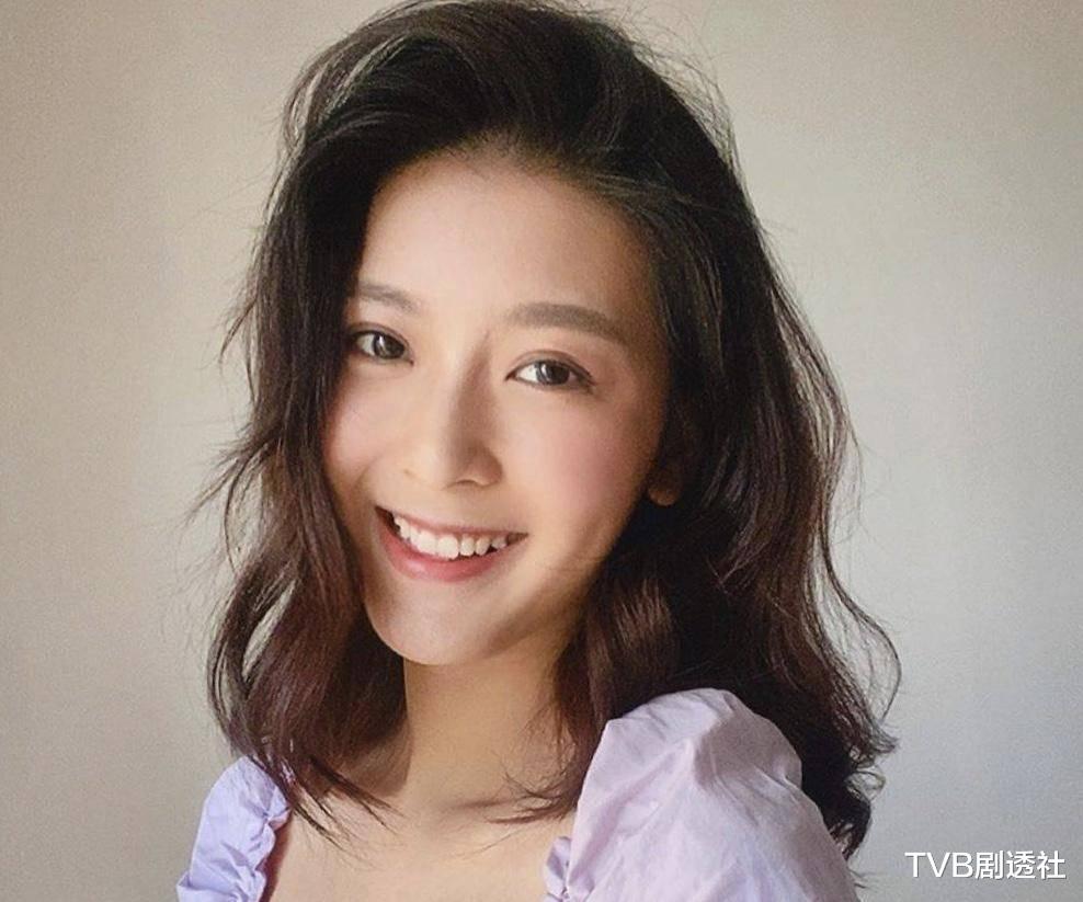 27歲香港著名女星被曝未婚先孕,並將趕在下月登記結婚-圖2