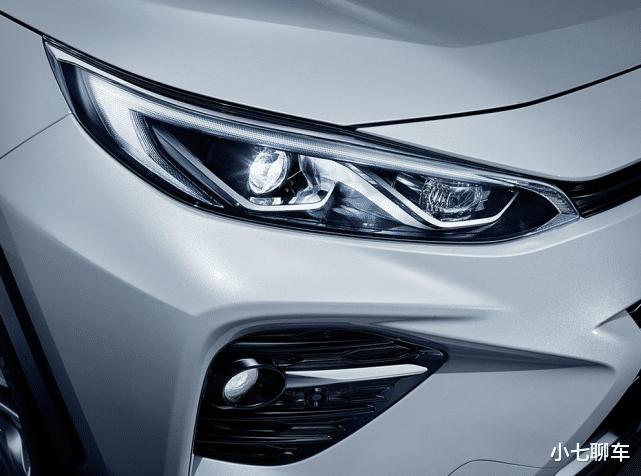 比漢蘭達還火的又一豐田SUV,上市三月新車銷量節節攀升,質量穩定油耗低-圖6