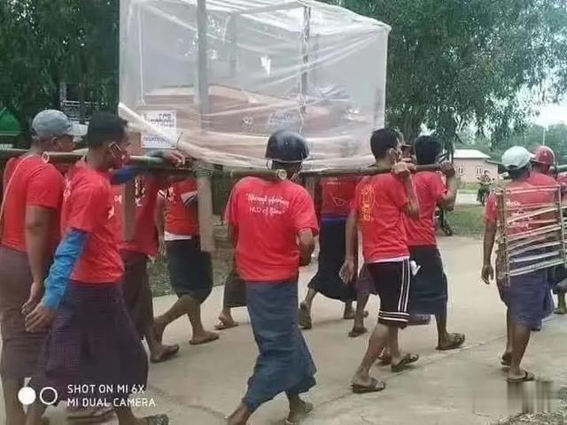 緬甸狂熱分子在中國拉票遊行後,再一次作死,這次真的死人瞭-圖2