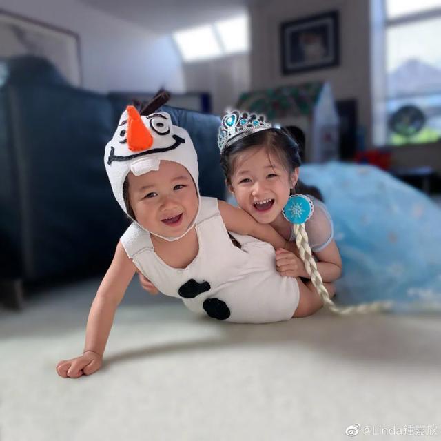 鐘嘉欣曬兒女照片訴相思,4歲女兒繼承媽媽美貌,弟弟超像姐姐-圖2