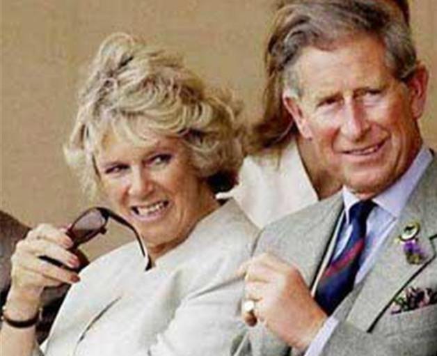 查爾斯兩次婚禮的表情對比:戴安娜是任務,卡米拉是真愛-圖4