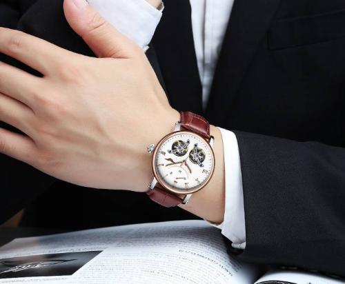 沙影贝利特喜欢什么_你不知道的手表佩戴方式小秘密-第2张图片-游戏摸鱼怪