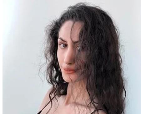 26歲名媛安娜裸死酒店,衣服被撕落一旁,生前被富商爭相寵愛-圖9