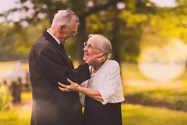 人老瞭以後,夫妻之間誰需要誰更多?三個過來人告訴你答案-圖6