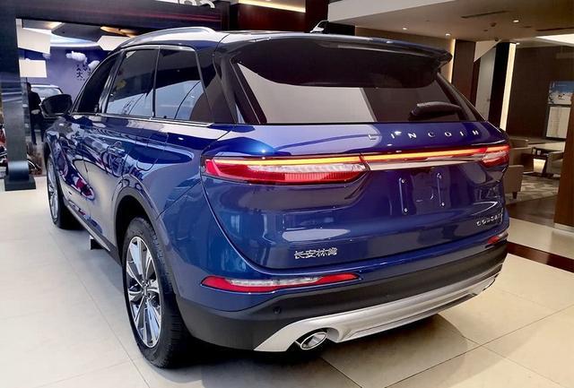 """又一豪華SUV""""黑馬"""",懸浮式車頂+12.8英寸大屏,24.68萬起-圖5"""