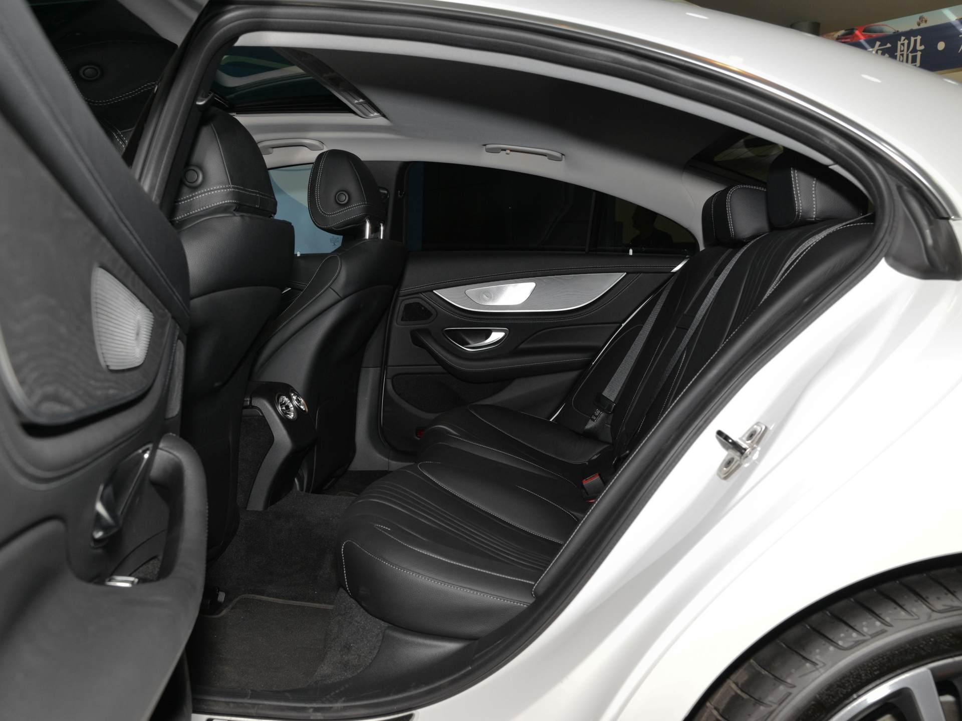 真正動感的豪華轎跑,動感不輸奧迪A7,60萬價格比凱迪拉克拉風-圖4