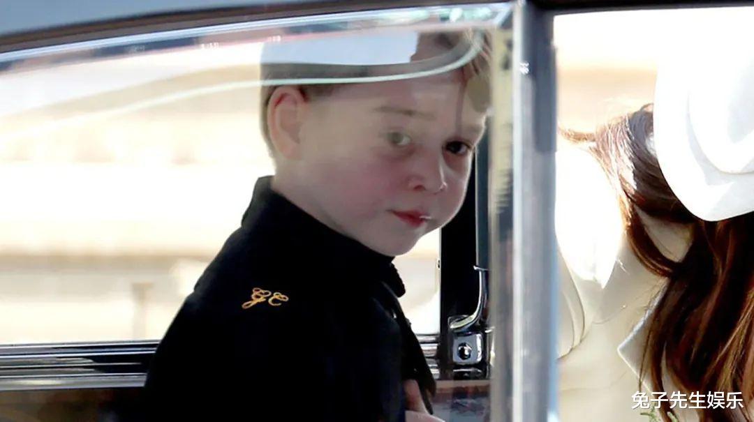 梅根利用5歲夏洛特的地位,說服哈裡遠走他鄉,小公主招誰惹誰瞭-圖6