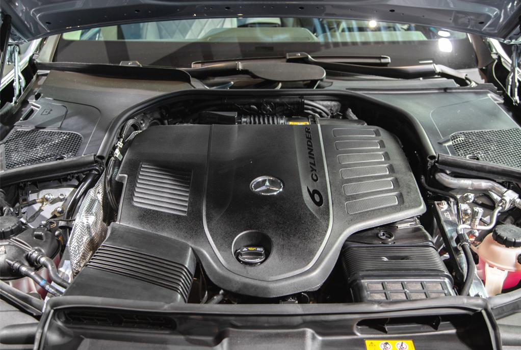 奔馳王牌轎車終於換代!車寬2109mm,標配空氣懸架,比7系更舒適-圖6