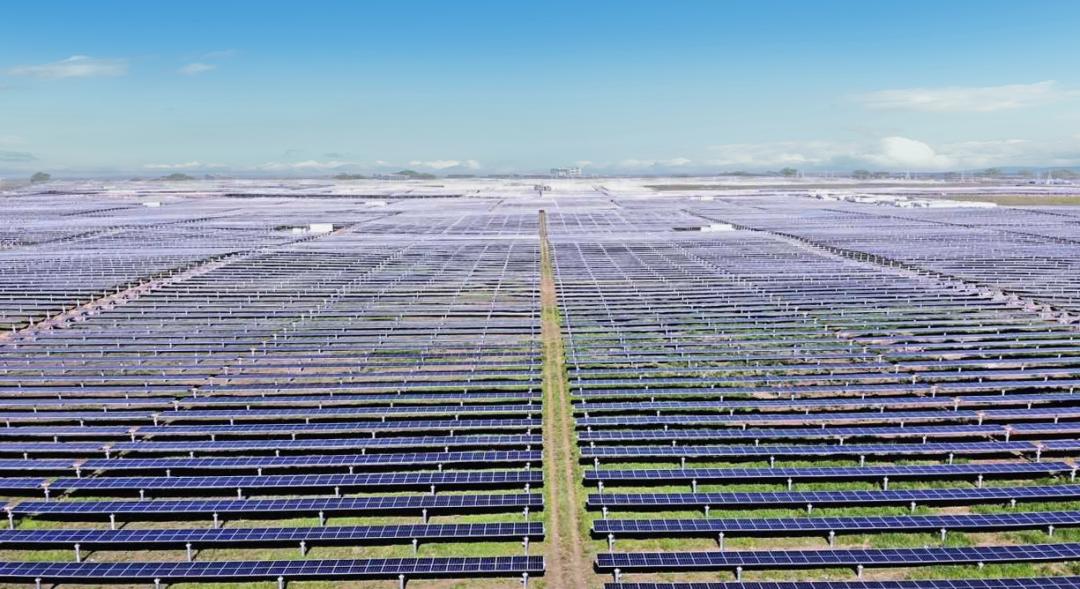 向祖國獻禮!華為智能光伏助力全球最大光伏電站成功並網-圖4