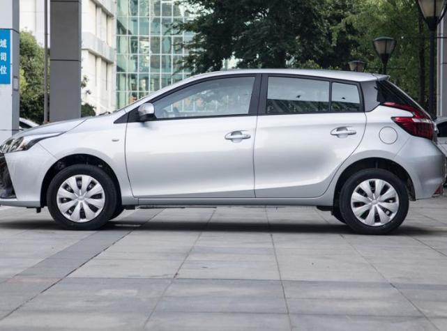 6.78萬就能入手的豐田車,5.2升油耗,皮實又耐造,適合傢用-圖3
