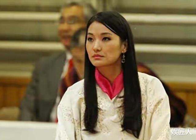 30歲不丹王後遭遇勁敵!國王情人溫柔現身,膚如凝脂宛如江南美人-圖2