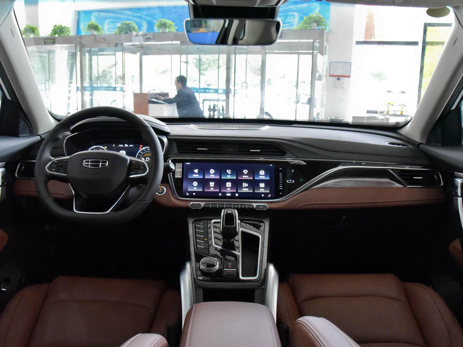 僅12萬的國產優質SUV,1.8T爆184馬力,空間不輸H6與CRV-圖3