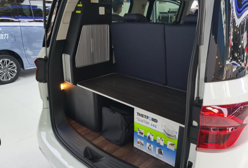 上汽大通推出全新旅居車RG20,一款兼具MPV與房車功能的全能王-圖5