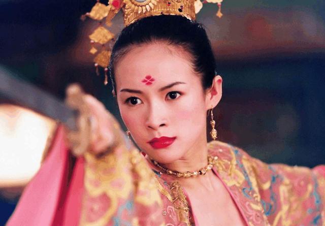 差点嫁入豪门,还和撒贝宁相爱过的章子怡,为何最后嫁给了汪峰?