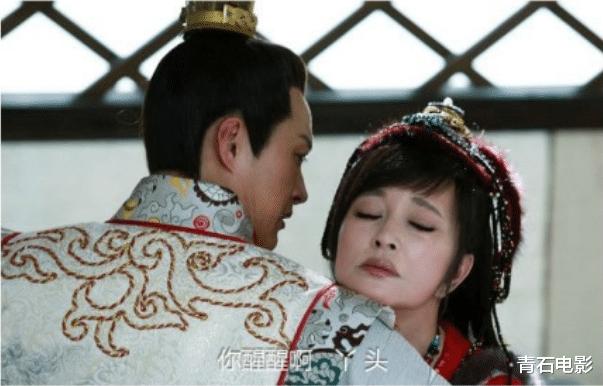 """强行""""扮嫩""""的8大明星:刘恺威周迅上榜,有人差43岁也敢演"""