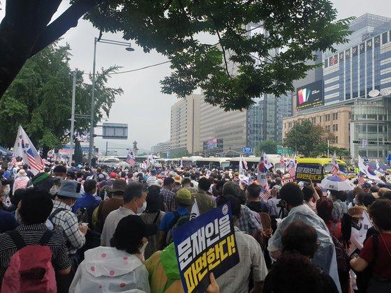 這個國傢是你個人的嗎:韓國上萬人集會 要求罷免文在寅-圖6
