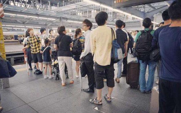 20萬華人失去美籍欲回國,相關部門做出回應:中國不是收容所-圖2
