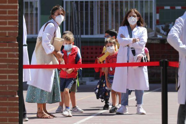 華社恐慌持續,感染仍在蔓延!歐洲防疫標兵意大利已被病毒包圍-圖2