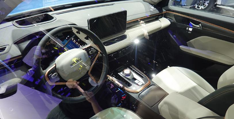 哈弗推出全新車型哈弗初戀,與哈弗H6相似,外觀設計小巧時尚-圖8