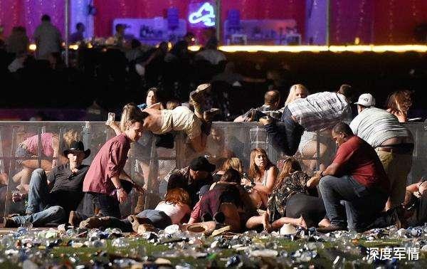 """這一天來晚瞭!美國30多個黑幫宣佈結盟,警察隻要""""掏槍""""就殺-圖2"""