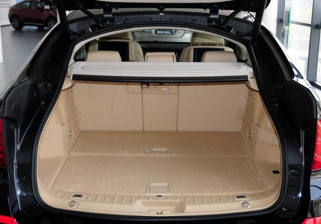 原價98萬的寶馬535i GT四驅豪華 如今殘值僅剩26萬-圖10