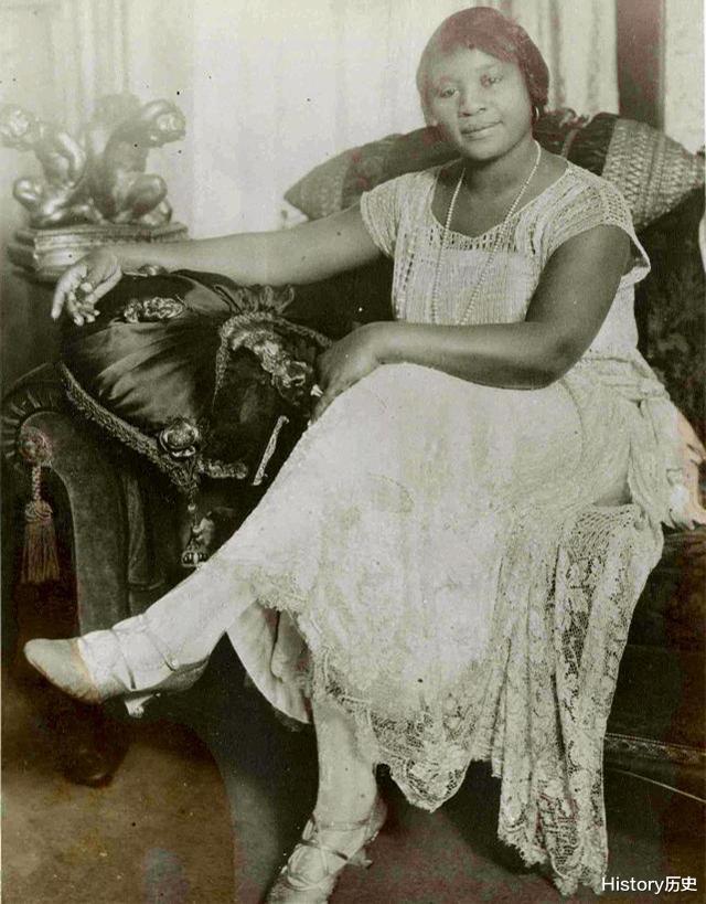 20世紀美國一黑人女孩,因為太有錢瞭,被州政府認定為白人-圖3