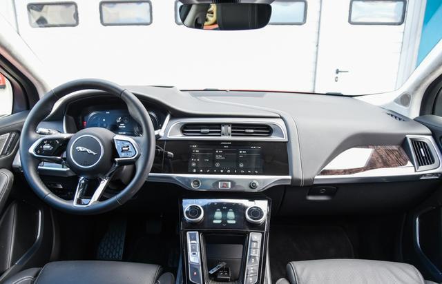 國內在售的豪華品牌中型SUV內飾集合,哪個才是你喜歡的?-圖8