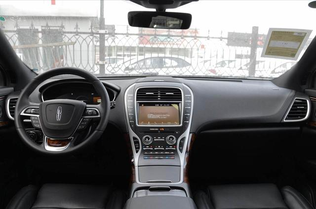又一豪華SUV售價跳水,3.0T+四驅,霸氣不輸X5,猛降8萬真霸氣-圖5