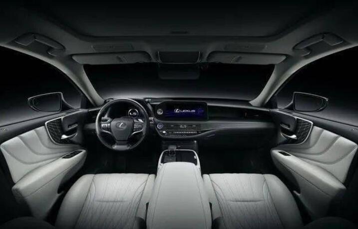 雷克薩斯新一代LS曝光,寬體轎跑比7系更魁梧,新增2.0T+全時四驅-圖4