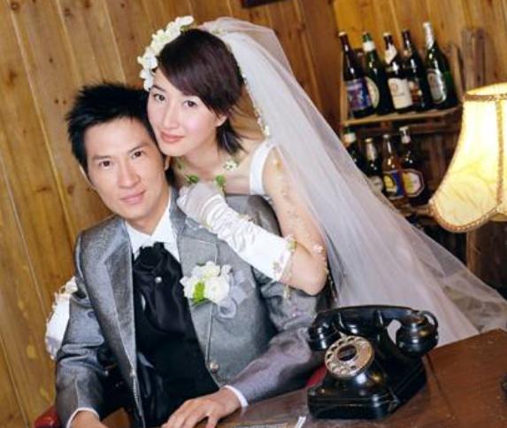 事業巔峰結婚息影,將丈夫捧成一線影帝之後,45歲喜迎二胎-圖3