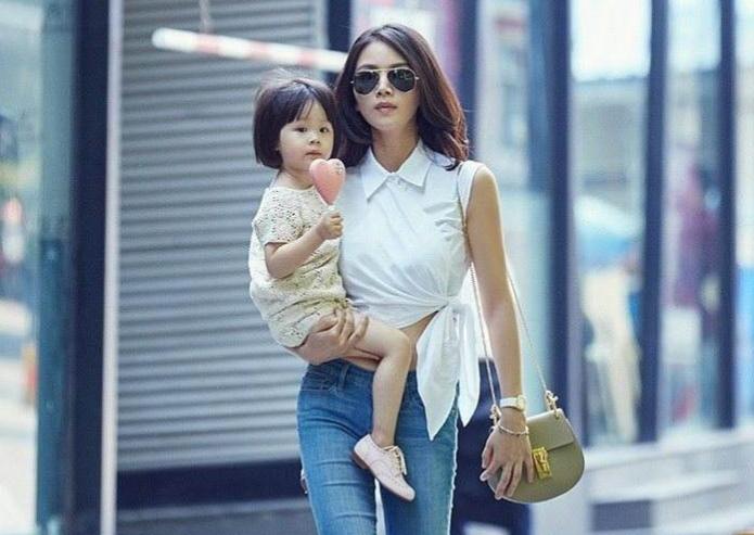 陳思誠王凱曾為她著迷,後嫁富豪丈夫又離婚,成單親媽媽仍有人搶-圖6