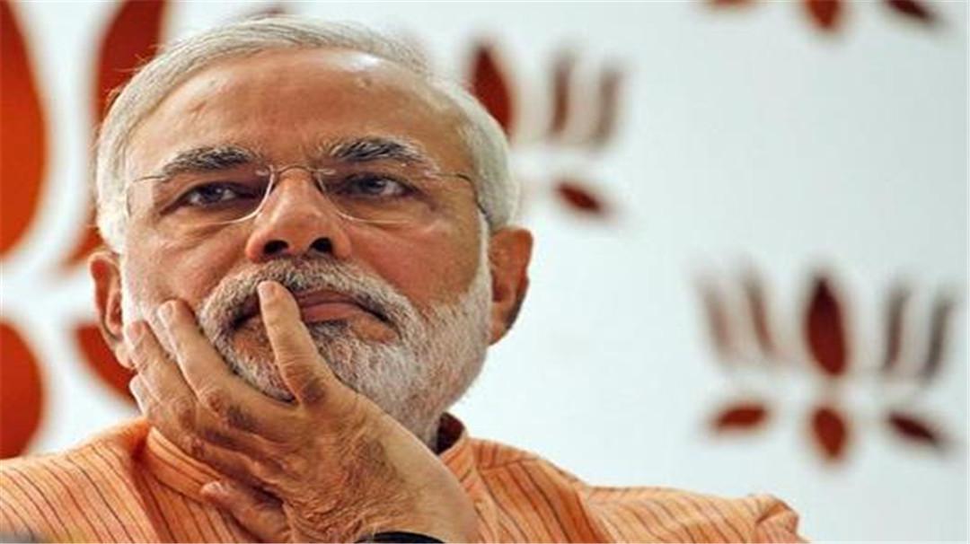 """印度""""一把手""""去世,新德裡降下國旗,大批民眾放聲痛哭!-圖2"""