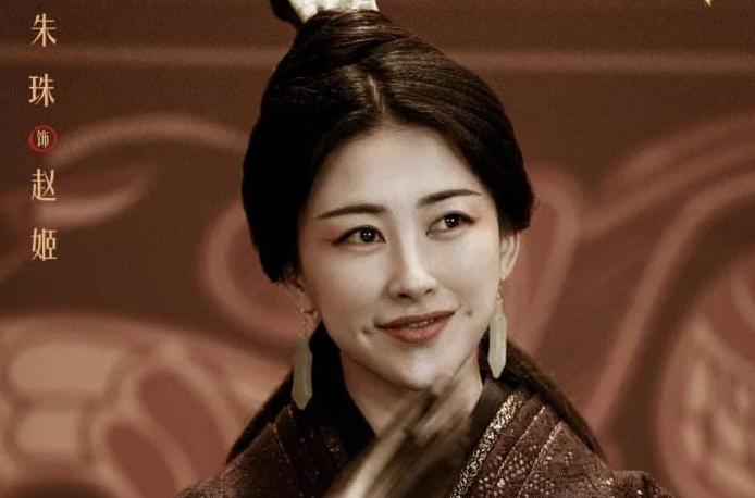 """她被誉为""""东方最美面孔"""",背景强过韩雪,娶到能少奋斗几辈子!"""