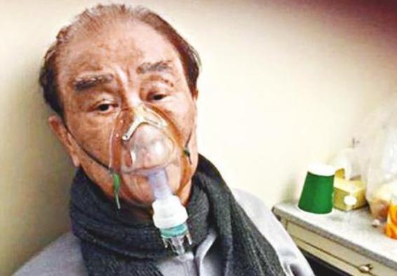 兒子出國後自稱外國人,86歲香港老戲骨生病無法行走,靠女兒照顧-圖2
