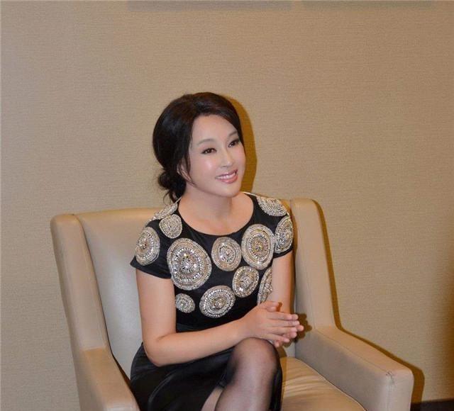 色琪琪_不老传奇刘晓庆:大起大落的人生,活得漂亮是本事