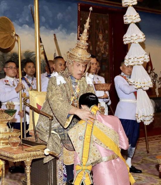 泰國王室陰影下:他信兄妹的無奈-圖3