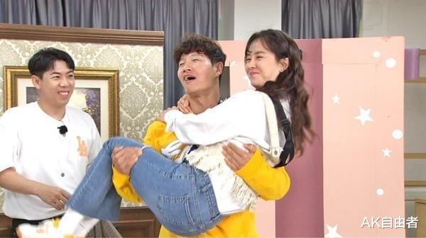 韓國綜藝《Running Man》成員們正面交鋒 爭奪宋智孝和全素敏的心-圖4