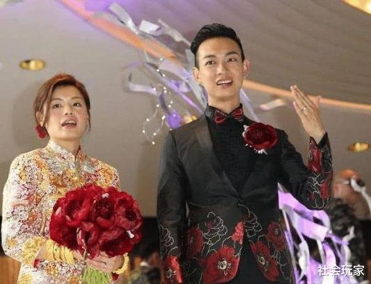 對醜妻不離不棄,半個娛樂圈都來到他的婚禮,真是個真正有德行的好演員-圖2