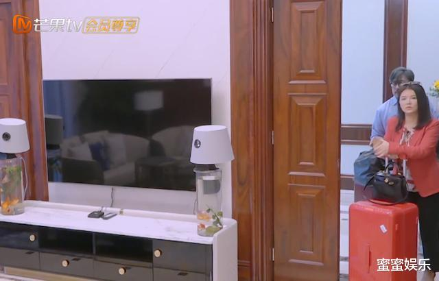李湘有錢懶又胖,夜宵還要吃肘子,三文魚生吃不擔心寄生蟲嗎?-圖3