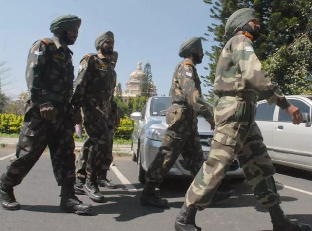 印媒:印度一軍官在克什米爾實控線附近被對面狙擊手射殺-圖3