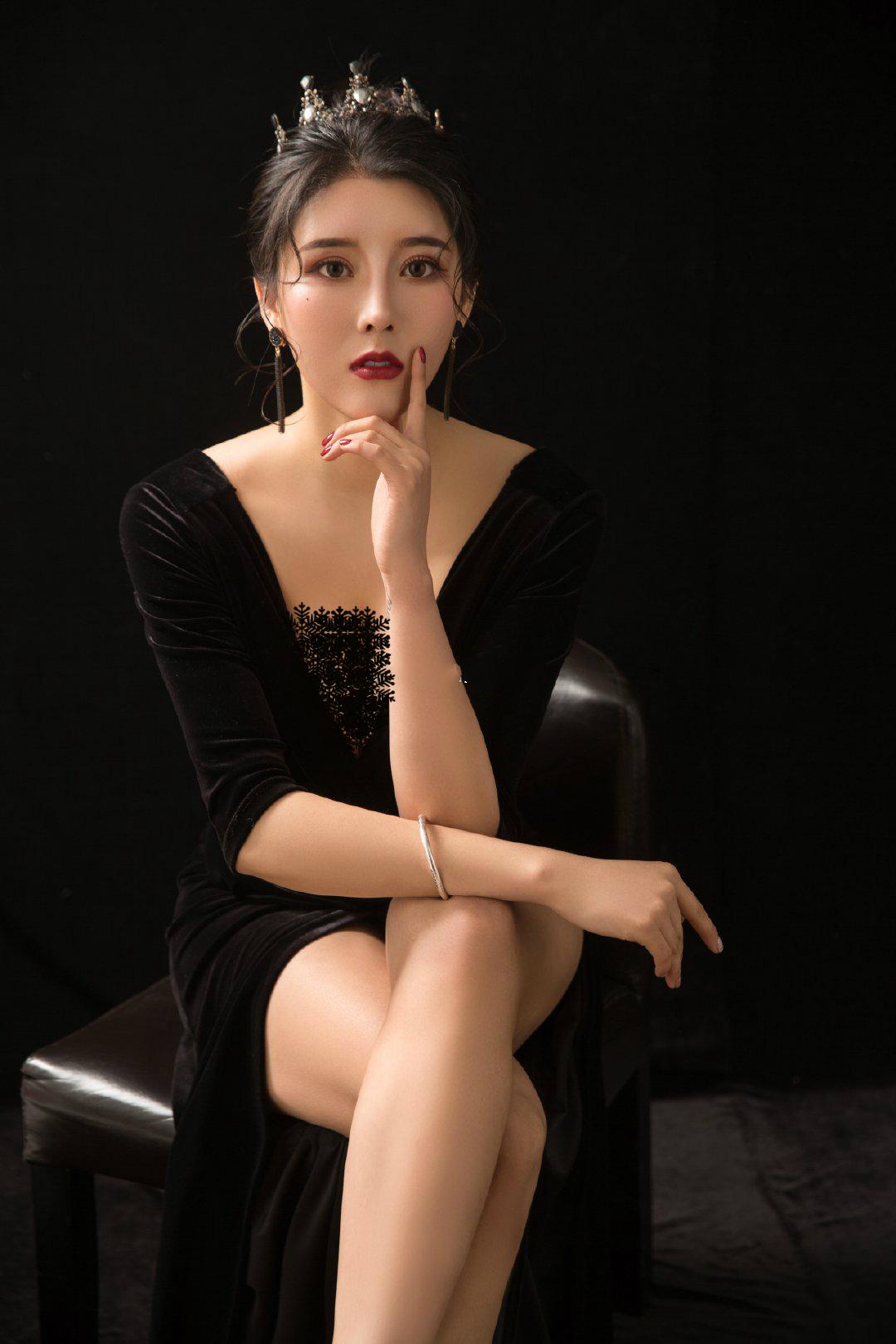 健身美女劉太陽火瞭!身材超過美國卡戴珊,曾是世界旅遊小姐冠軍-圖10