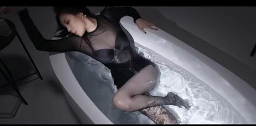 能把歌曲MV拍成日本電影風格,韓國導演腦洞大開,國內什麼時候能趕上-圖3