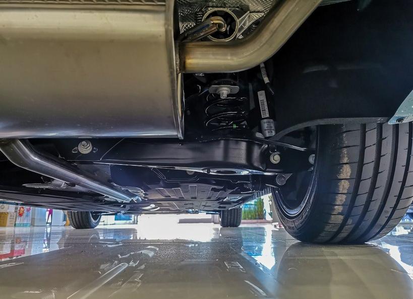 吉利星瑞,2.0T發動機,B級車的尺寸,13.77萬,比速騰值得買?-圖4